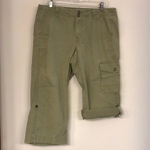 GAP Cargo Capri Pants - Army Green - Size 12!